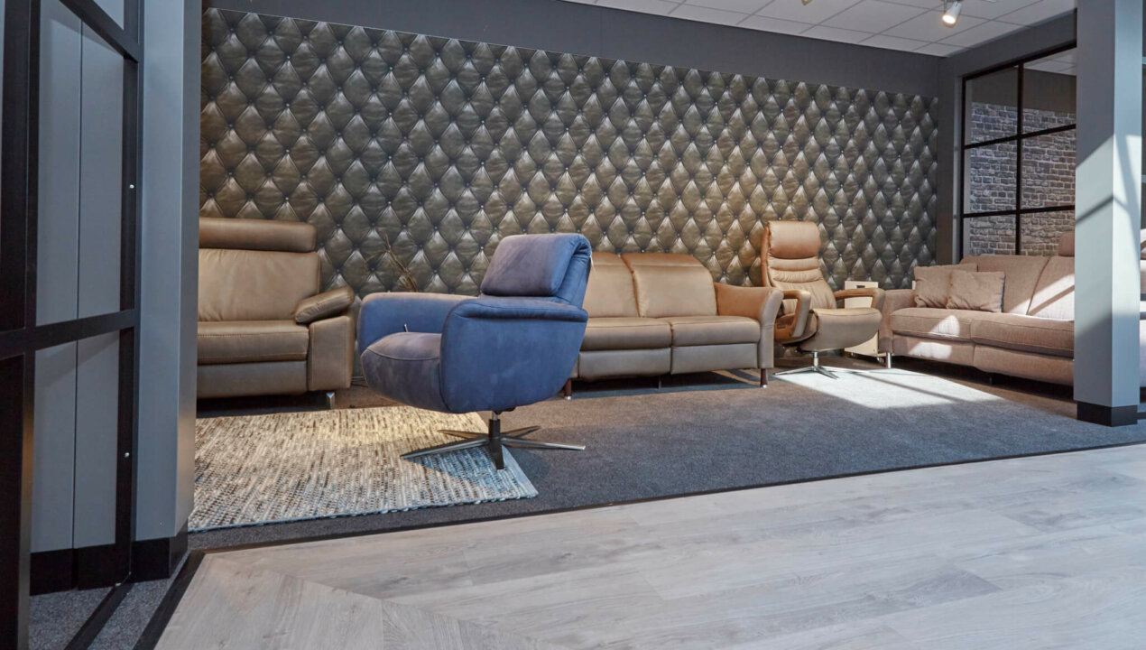 elektrische relaxbank in showroom Easysit