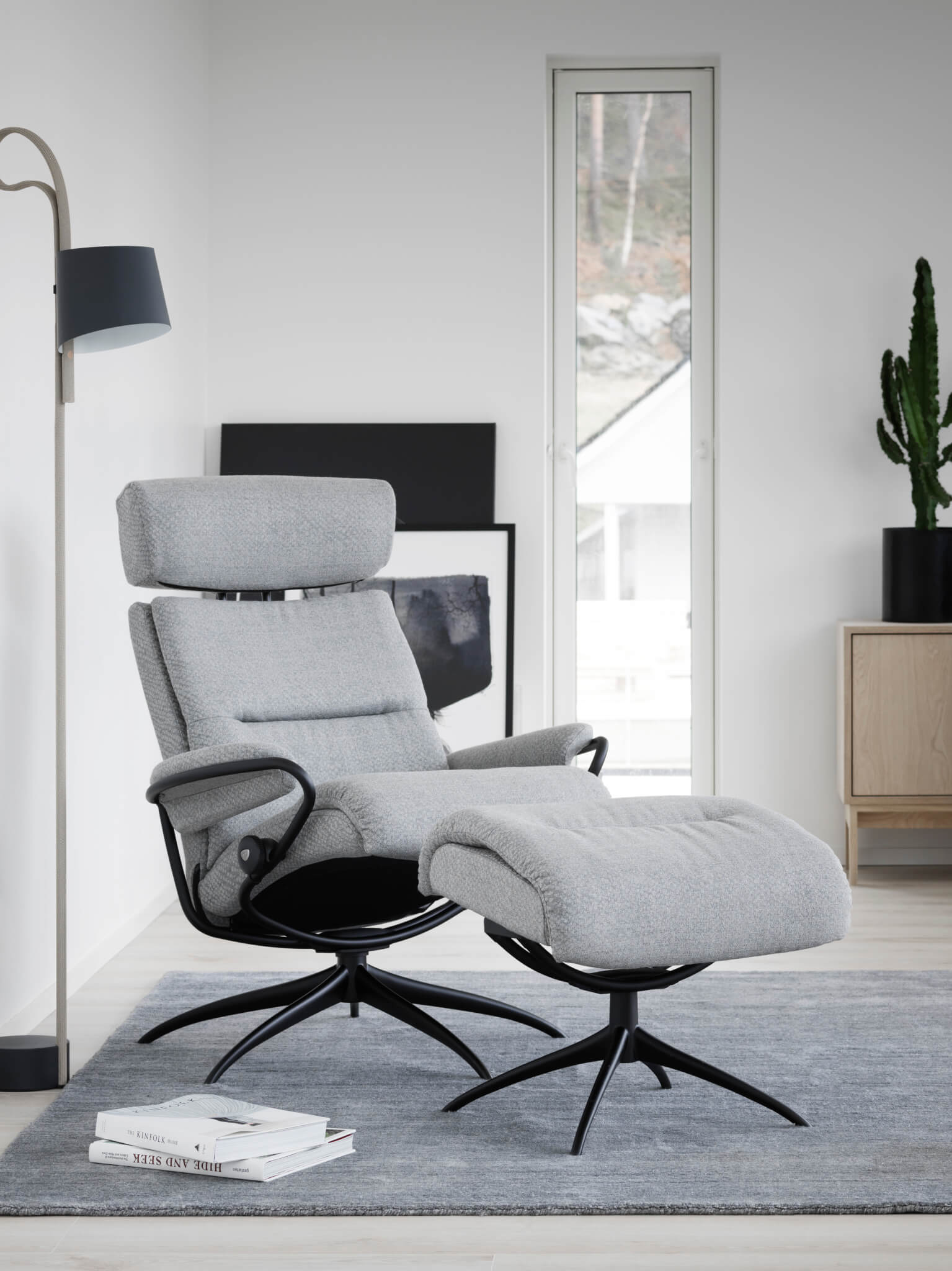 Stressless_Tokyo_Low_with headrest silva moon grey